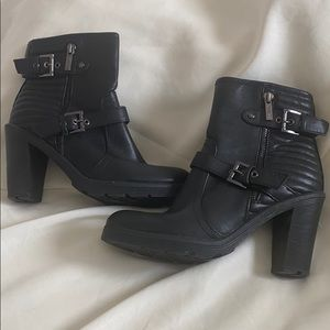 Guess Booties size 8